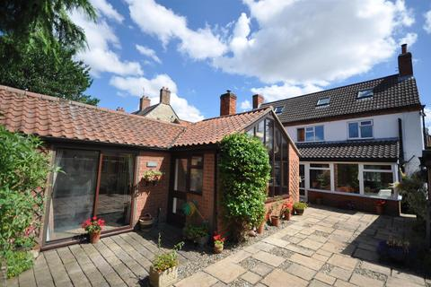 4 bedroom cottage for sale - Brant Broughton