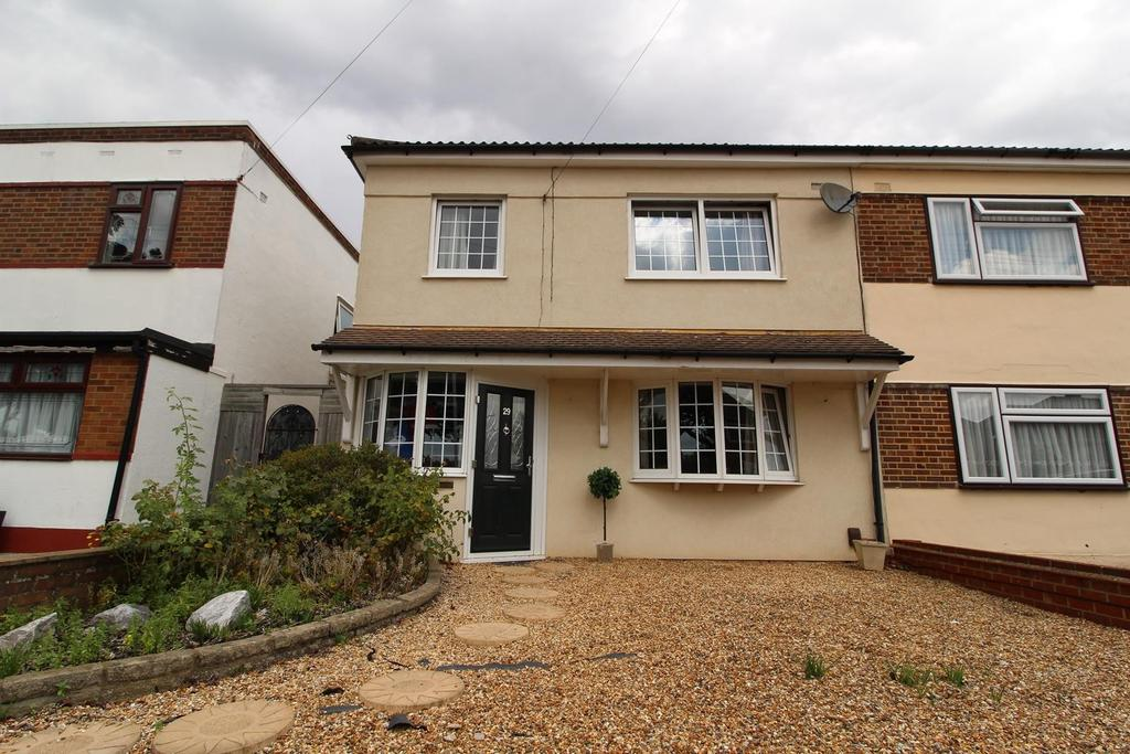 3 Bedrooms Semi Detached House for sale in Peterborough Avenue, Upminster, Essex, RM14 3LJ