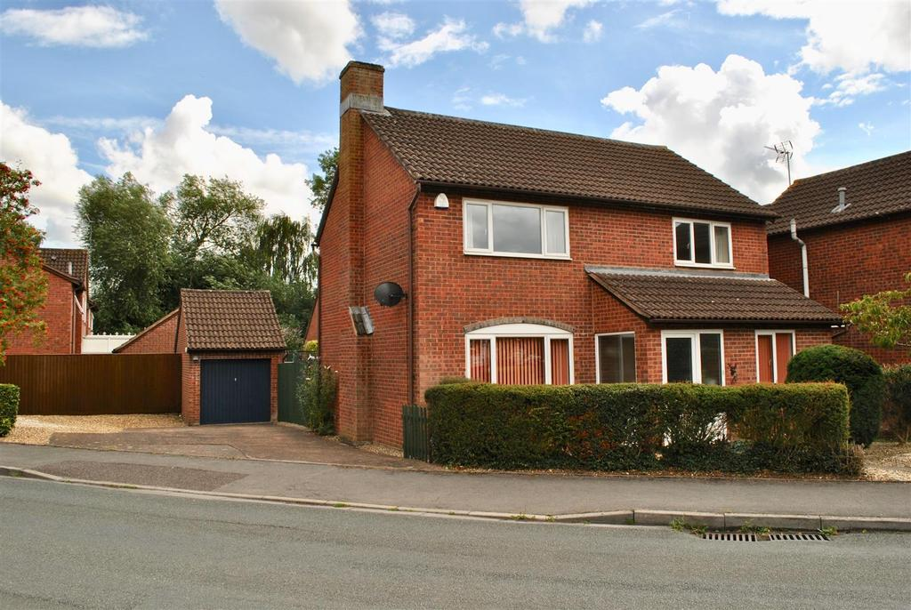 4 Bedrooms Detached House for sale in Queensway, Taunton