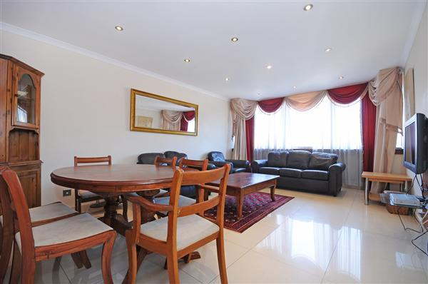 2 Bedrooms Flat for sale in PORCHESTER PLACE, HYDE PARK, W2