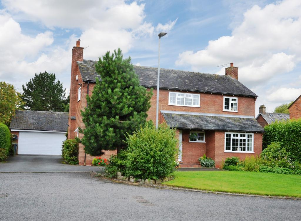 4 Bedrooms Detached House for sale in Foxley Close, Lymm
