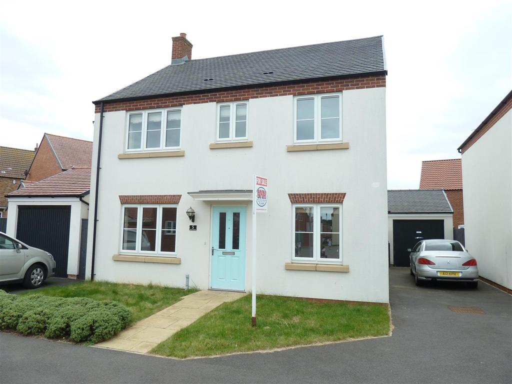 4 Bedrooms Detached House for sale in Seal Crescent, New Waltham, Grimsby