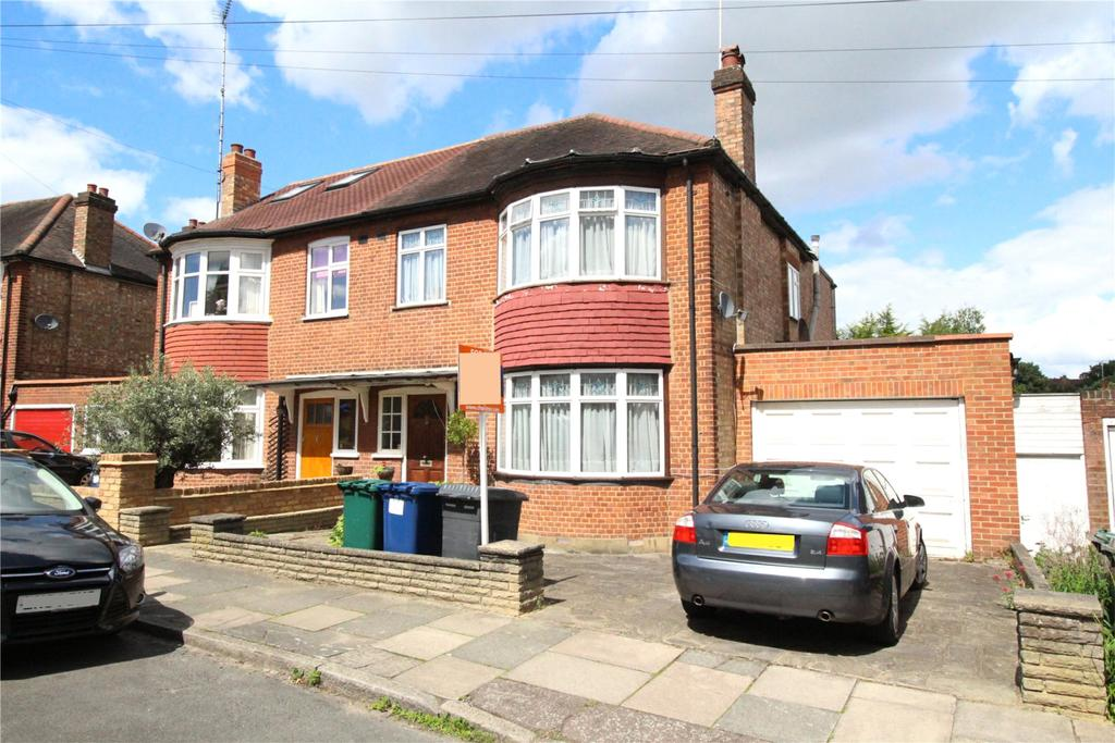 4 Bedrooms Semi Detached House for sale in Cedar Avenue, East Barnet, Herts, EN4