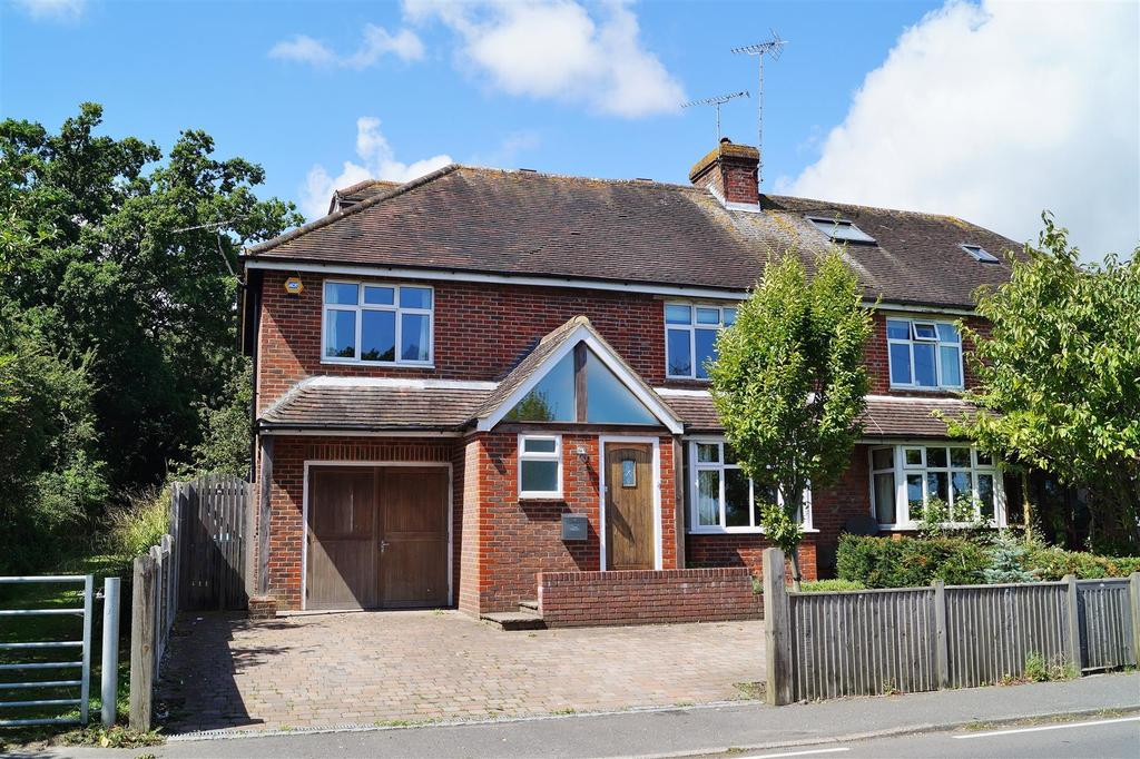 5 Bedrooms Semi Detached House for sale in Ford Road, Arundel