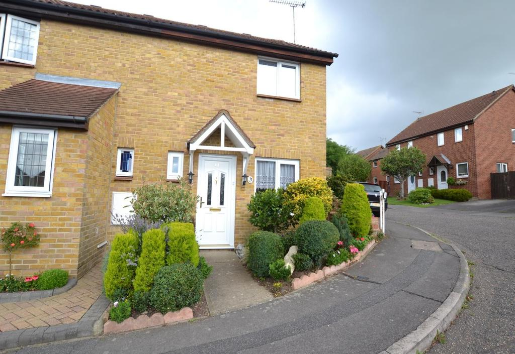 2 Bedrooms Semi Detached House for sale in Dorchester Road, Billericay, Essex, CM12