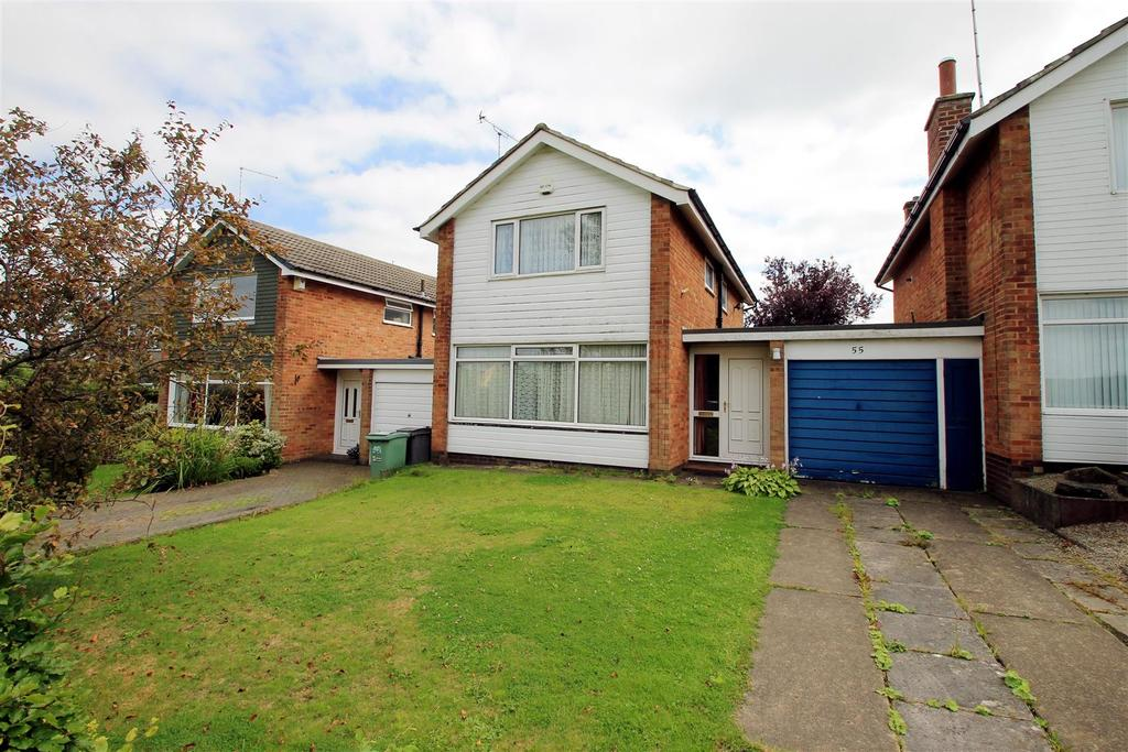 3 Bedrooms Detached House for sale in Fieldhead Drive, Guiseley, Leeds