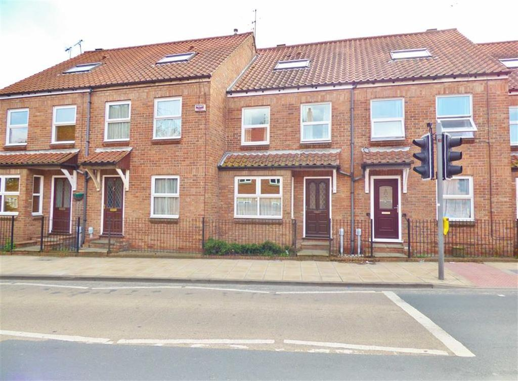 3 Bedrooms Terraced House for sale in New Walkergate, Beverley