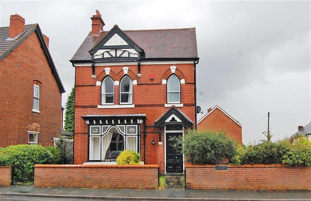 3 Bedrooms Semi Detached House for sale in Dudley Road, Sedgley