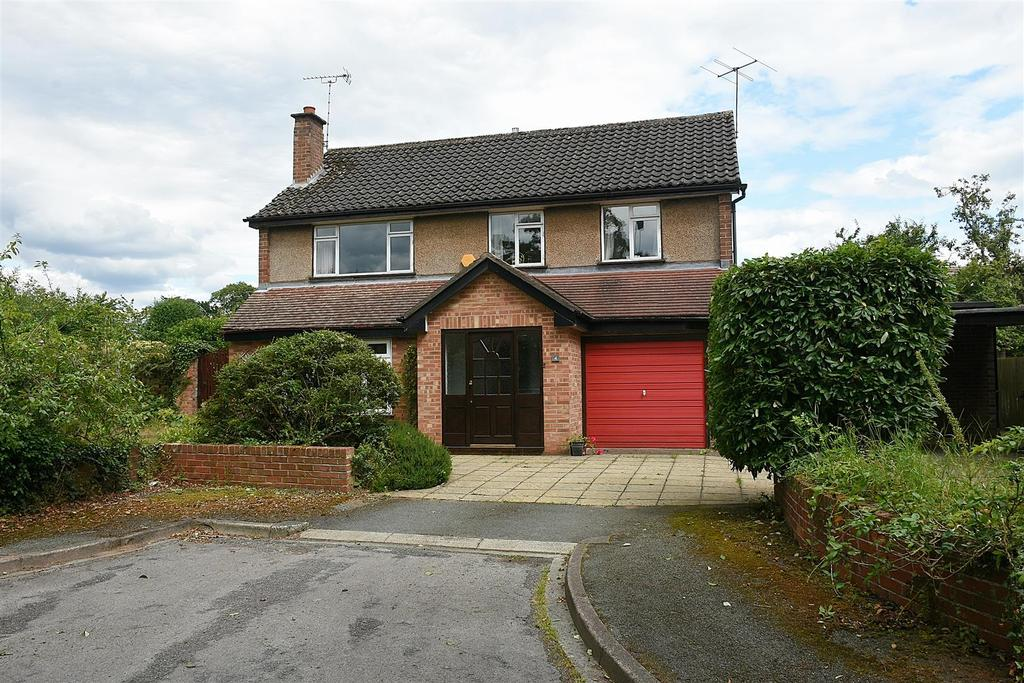 4 Bedrooms Detached House for sale in Brookside, Cuddington