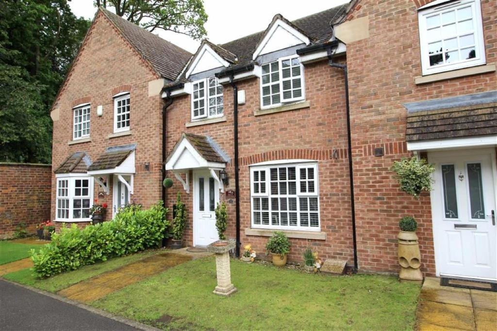 3 Bedrooms Town House for sale in Garden Mews, Brandesburton, East Yorkshire
