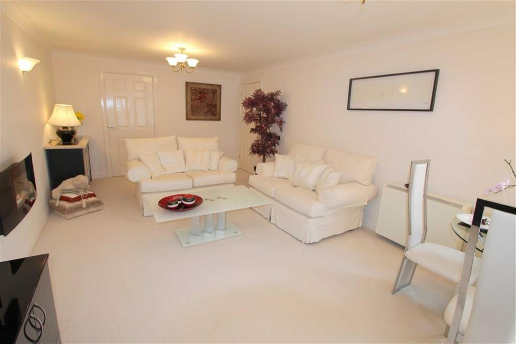 2 Bedrooms Apartment Flat for sale in Ashton View, Lytham St Annes, Lancashire