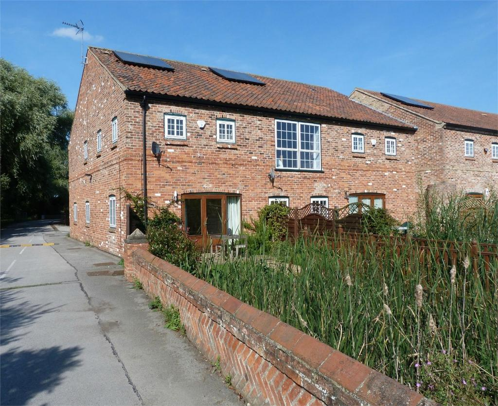 3 Bedrooms Mews House for sale in Barn Hill Farm, Selby Road, Howden, East Riding of Yorkshire