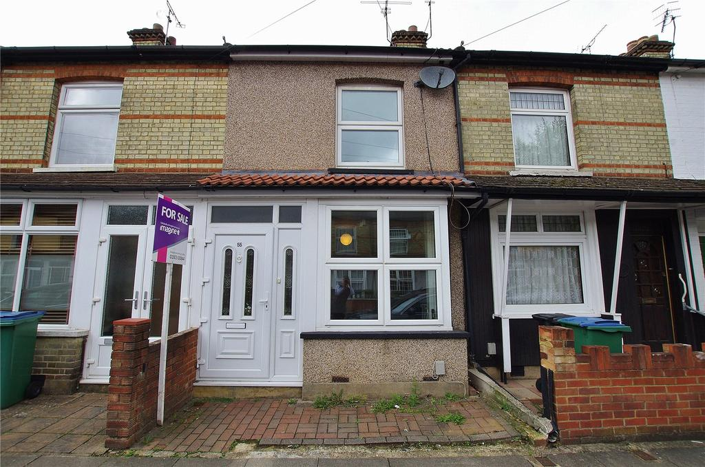 2 Bedrooms Terraced House for sale in Oxford Street, Watford, Hertfordshire, WD18