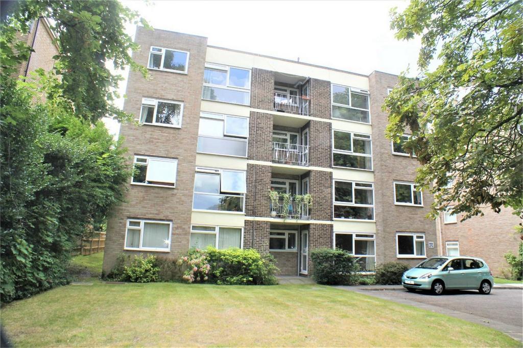 2 Bedrooms Flat for sale in Moliner Court, 15 Brackley Road, Beckenham