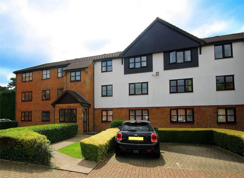 1 Bedroom Flat for sale in Marmet Avenue, Letchworth, Herts