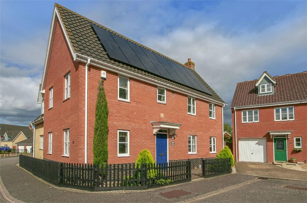 4 Bedrooms Detached House for sale in Burroughs Way, Wymondham, Norfolk