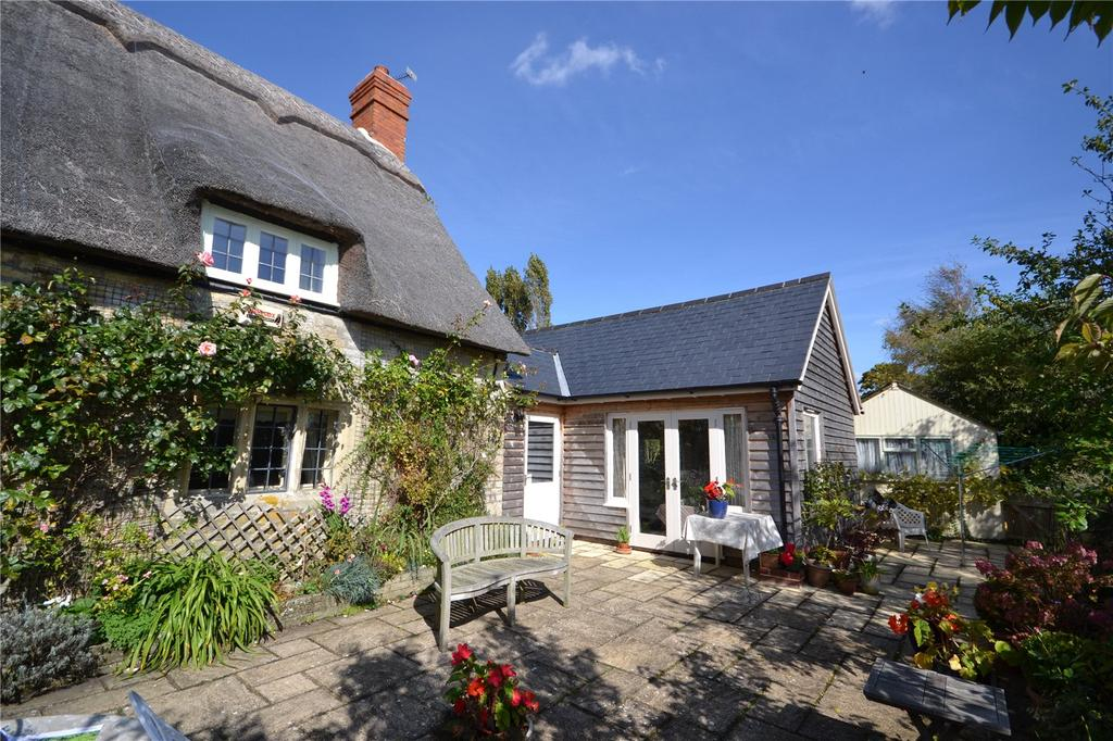 3 Bedrooms Detached House for sale in Moorside, Sturminster Newton, DT10