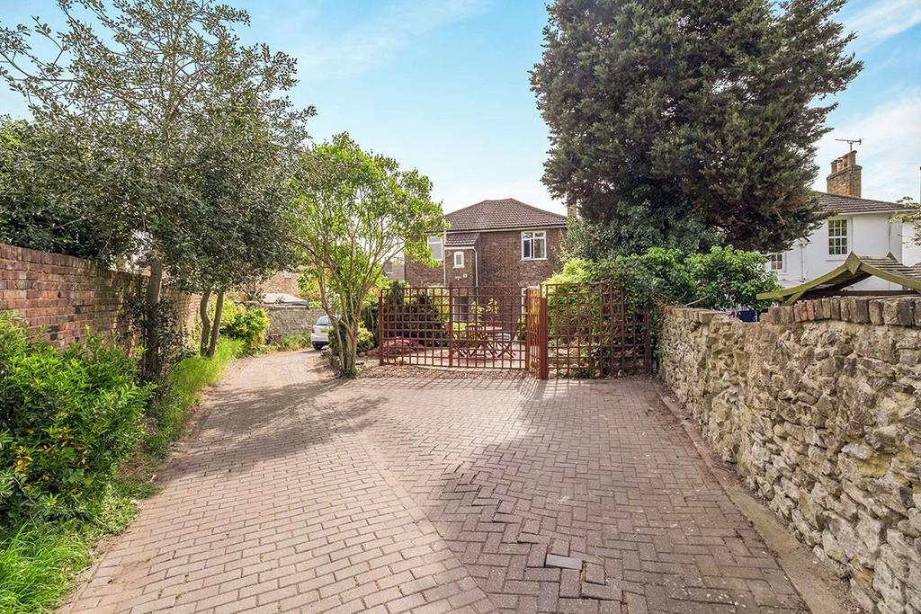 4 Bedrooms Detached House for sale in Bower Place, Maidstone
