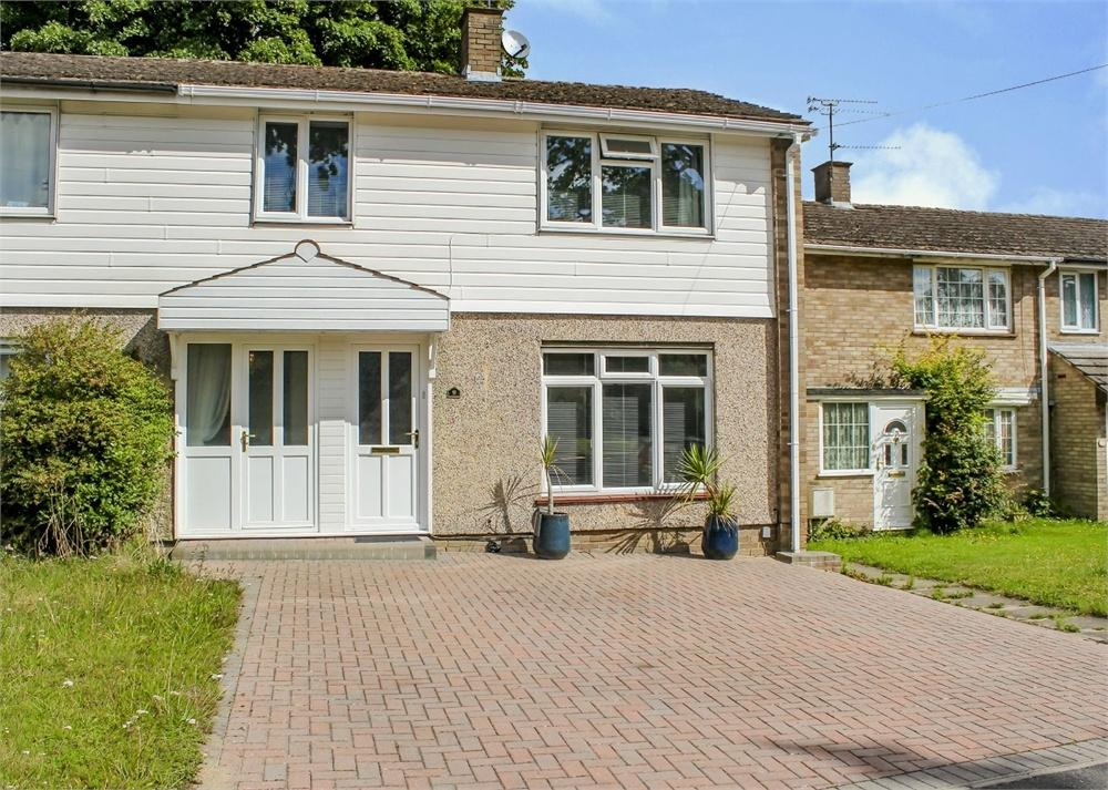 3 Bedrooms Terraced House for sale in Uffington Drive, Harmans Water, Bracknell, Berkshire