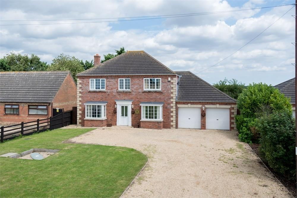 4 Bedrooms Detached House for sale in The Old Blacksmiths Yard, Main Road, Holland Fen, Lincoln, Lincolnshire