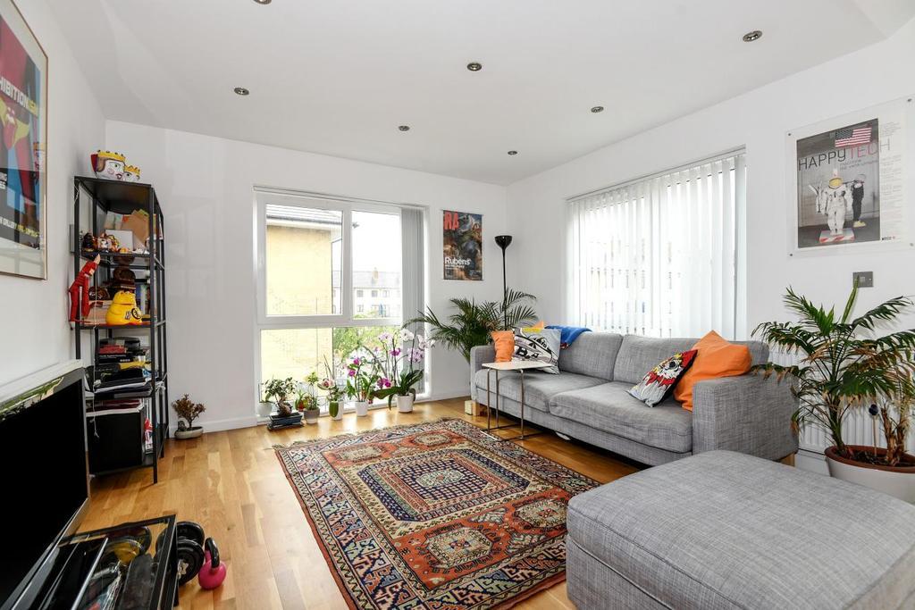 1 Bedroom Flat for sale in Sumner Road, Peckham