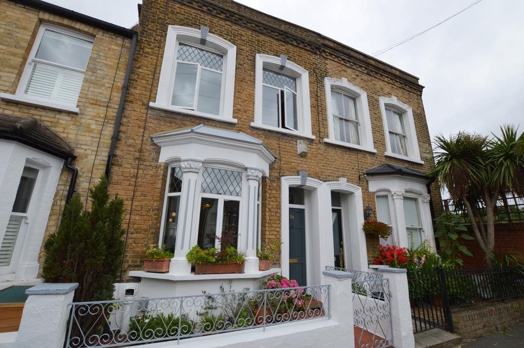 3 Bedrooms Terraced House for sale in Borland Road Peckham SE15