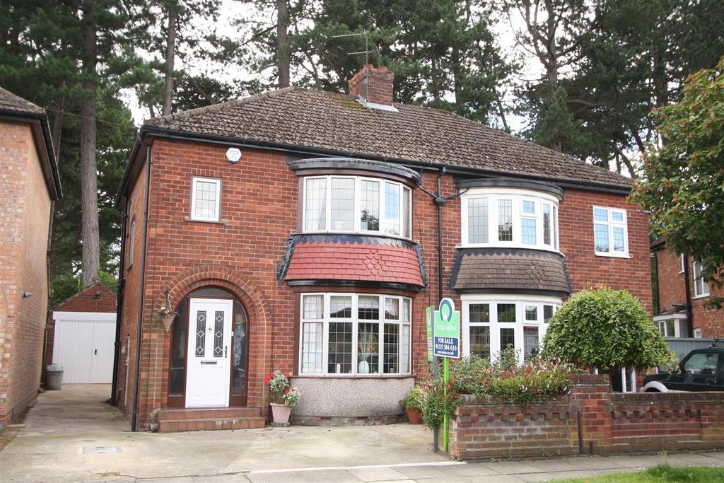 3 Bedrooms Semi Detached House for sale in Danesmoor Crescent, Darlington