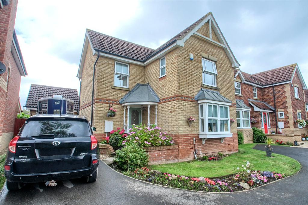 3 Bedrooms Detached House for sale in Celandine Way, Cypress Gate