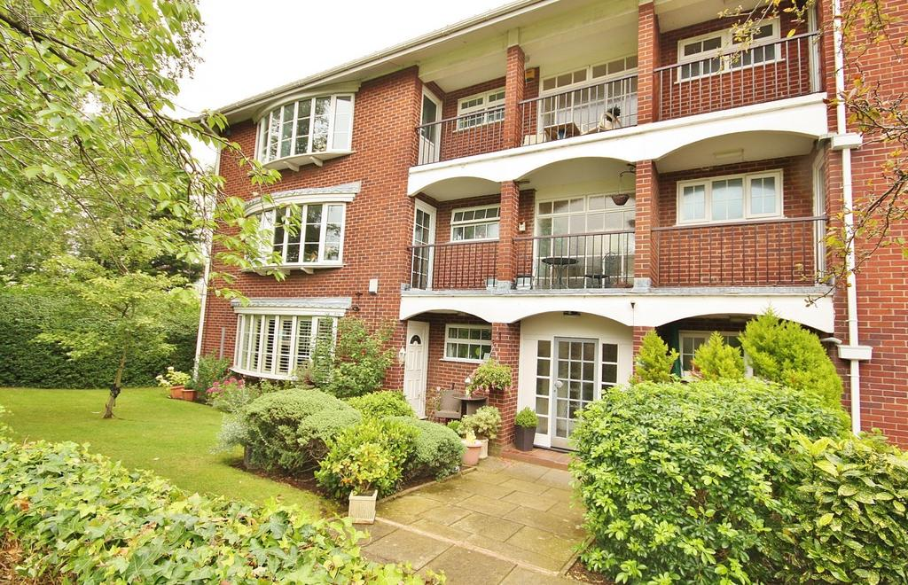 2 Bedrooms Apartment Flat for sale in Pownall Court, Altrincham Road, Wilmslow