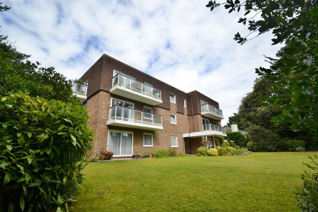 3 Bedrooms Penthouse Flat for sale in Queens Park