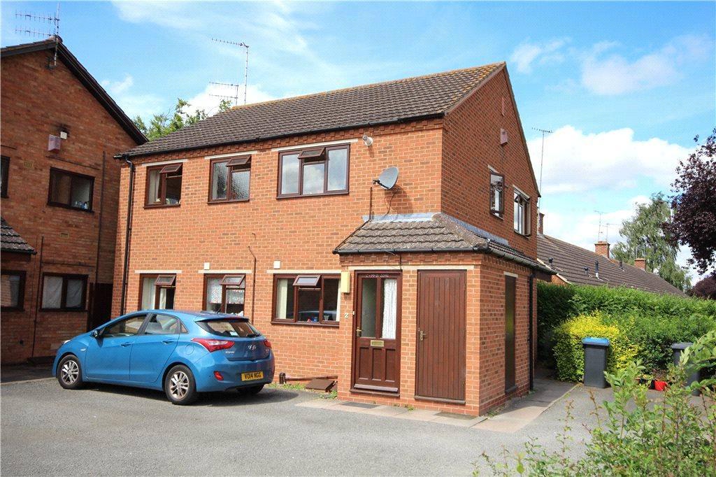 3 Bedrooms Maisonette Flat for sale in Lodge Court, Lodge Road, Stratford-upon-Avon, CV37