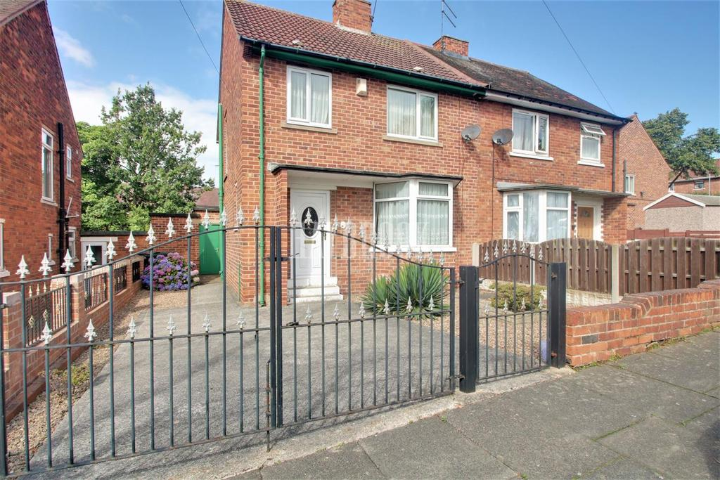 3 Bedrooms Semi Detached House for sale in Valley Road, Swinton