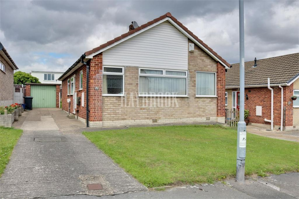 2 Bedrooms Bungalow for sale in Sitwell Grove, Swinton