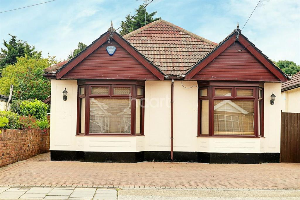 3 Bedrooms Bungalow for sale in Rainham
