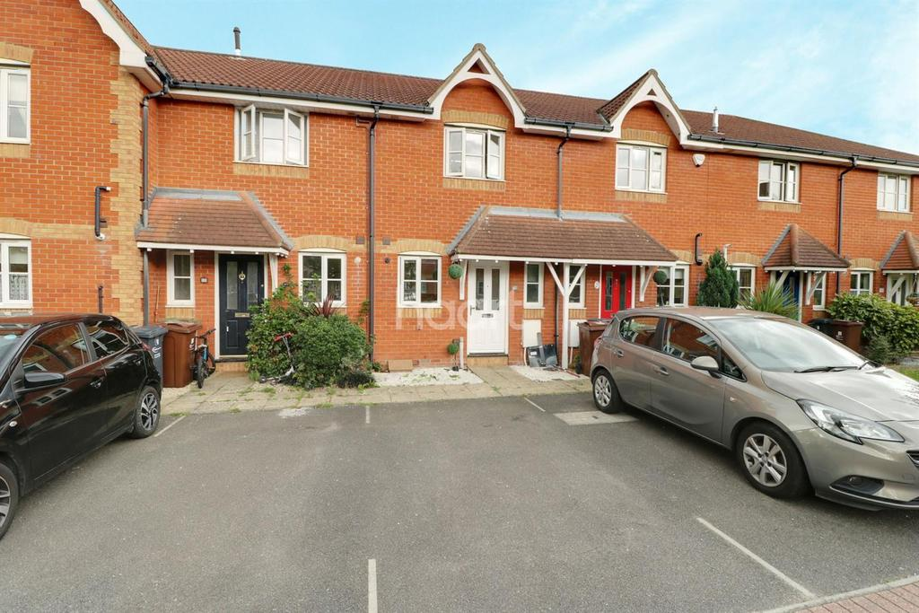 2 Bedrooms Terraced House for sale in Campion Close, Rush Green