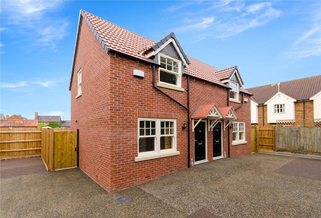 2 Bedrooms Semi Detached House for sale in Wesley Court, Billingborough, Sleaford, Lincolnshire, NG34
