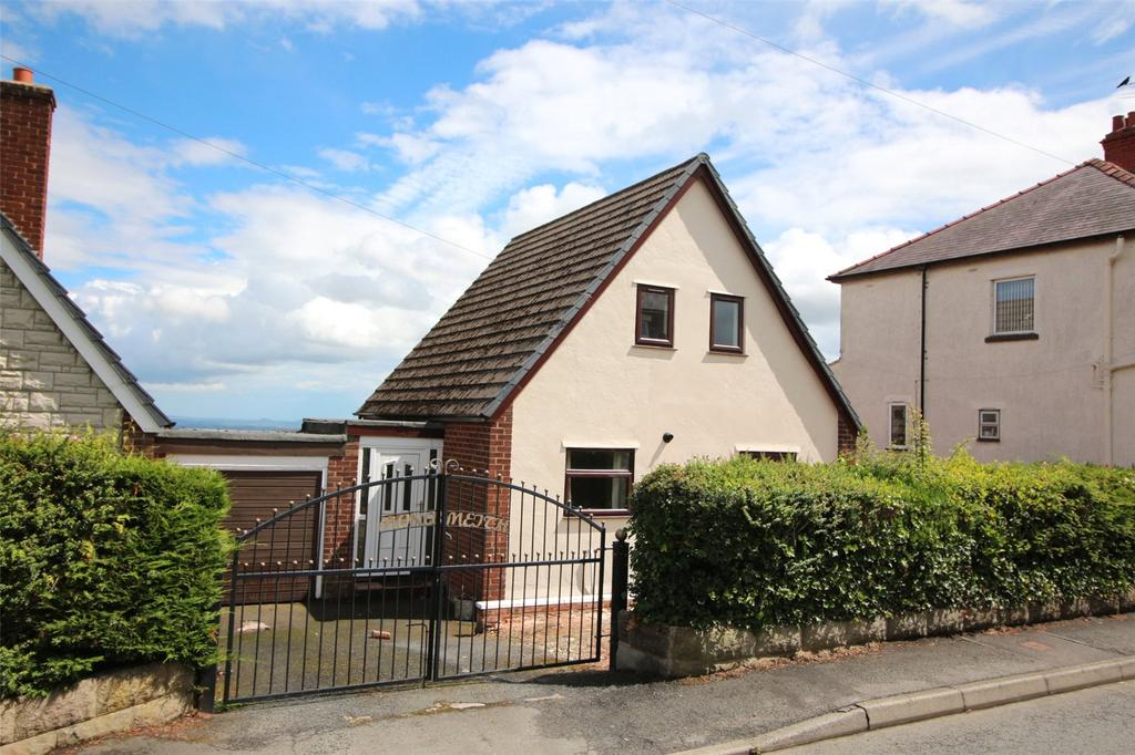 3 Bedrooms Detached House for sale in Heol Llewelyn, Coedpoeth, Wreham, LL11