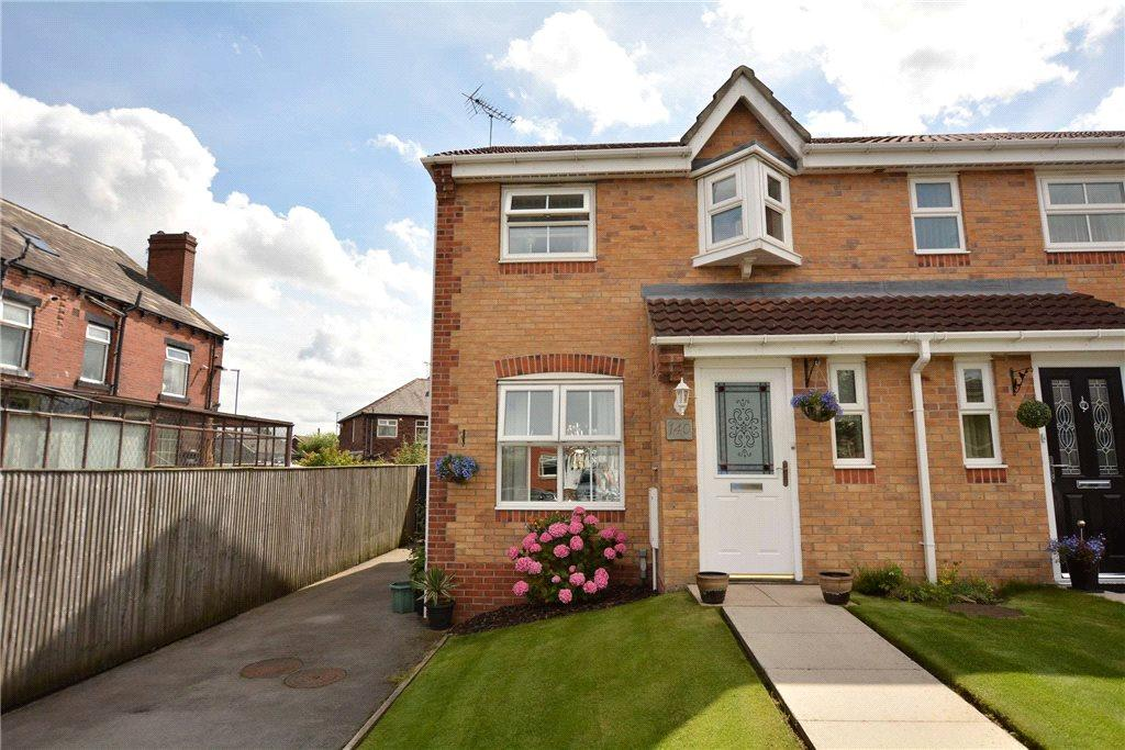 3 Bedrooms Terraced House for sale in Swinnow Close, Leeds, West Yorkshire