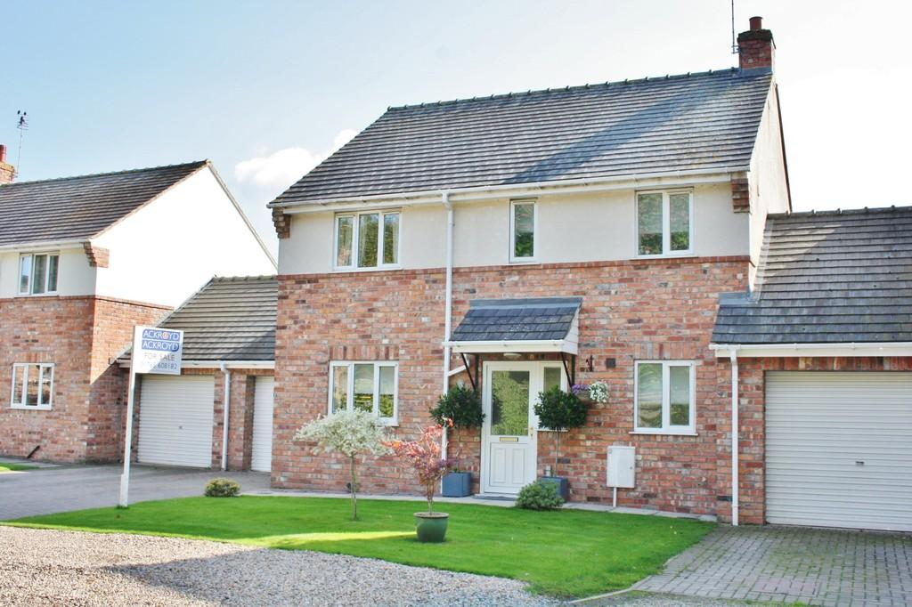 3 Bedrooms Link Detached House for sale in Fordgreen, Ripon