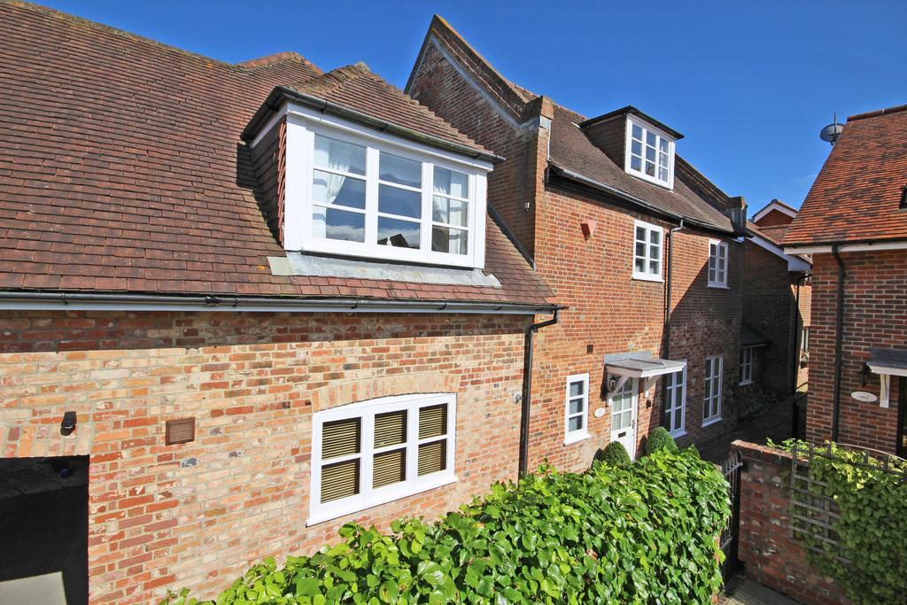 3 Bedrooms Semi Detached House for sale in Lake Grove Road, New Milton