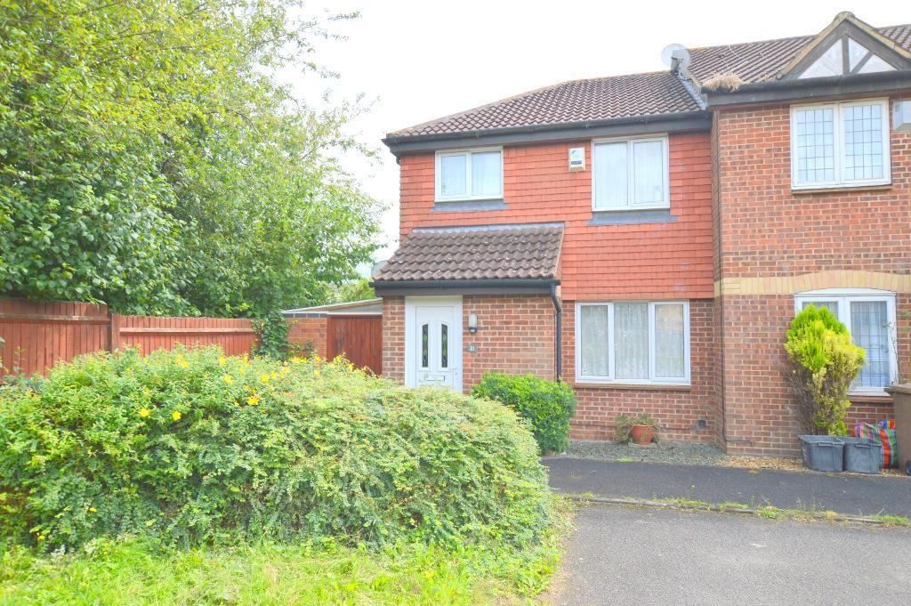3 Bedrooms End Of Terrace House for sale in Elveden Close, Luton, LU2 7FF