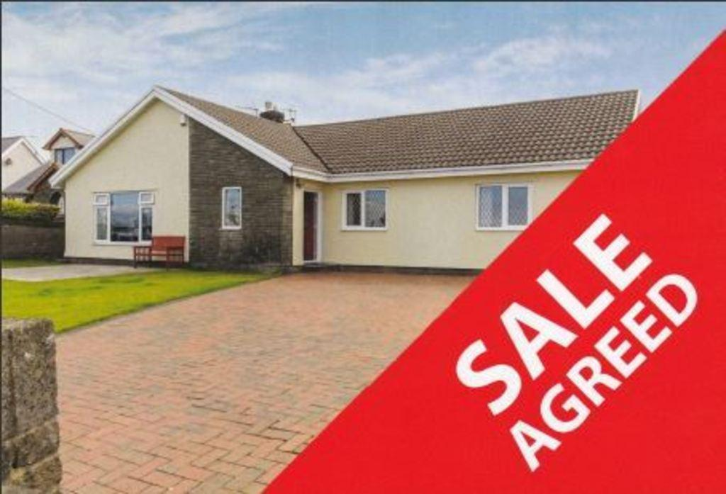 3 Bedrooms Detached Bungalow for sale in HEOL TON, TON KENFIG, CF33 4PS