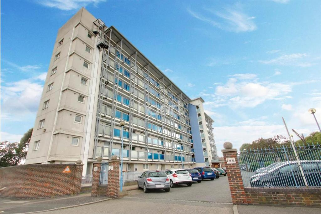 2 Bedrooms Flat for sale in Rowland Court, Beaconsfield Road, Canning Town