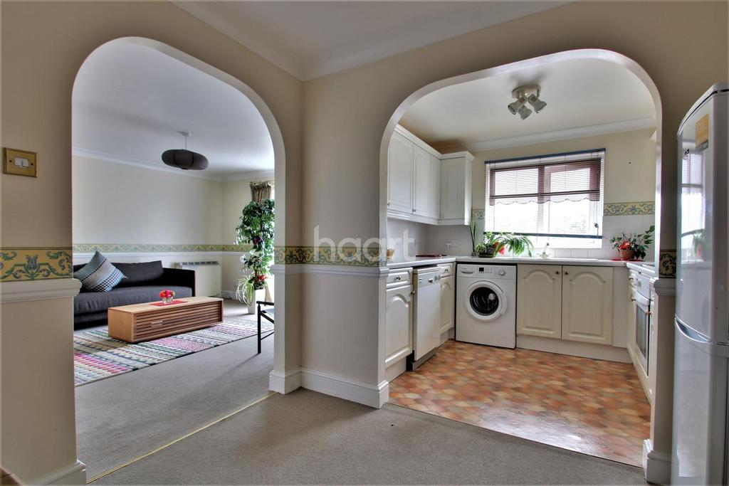 2 Bedrooms Flat for sale in Clearwater Reach