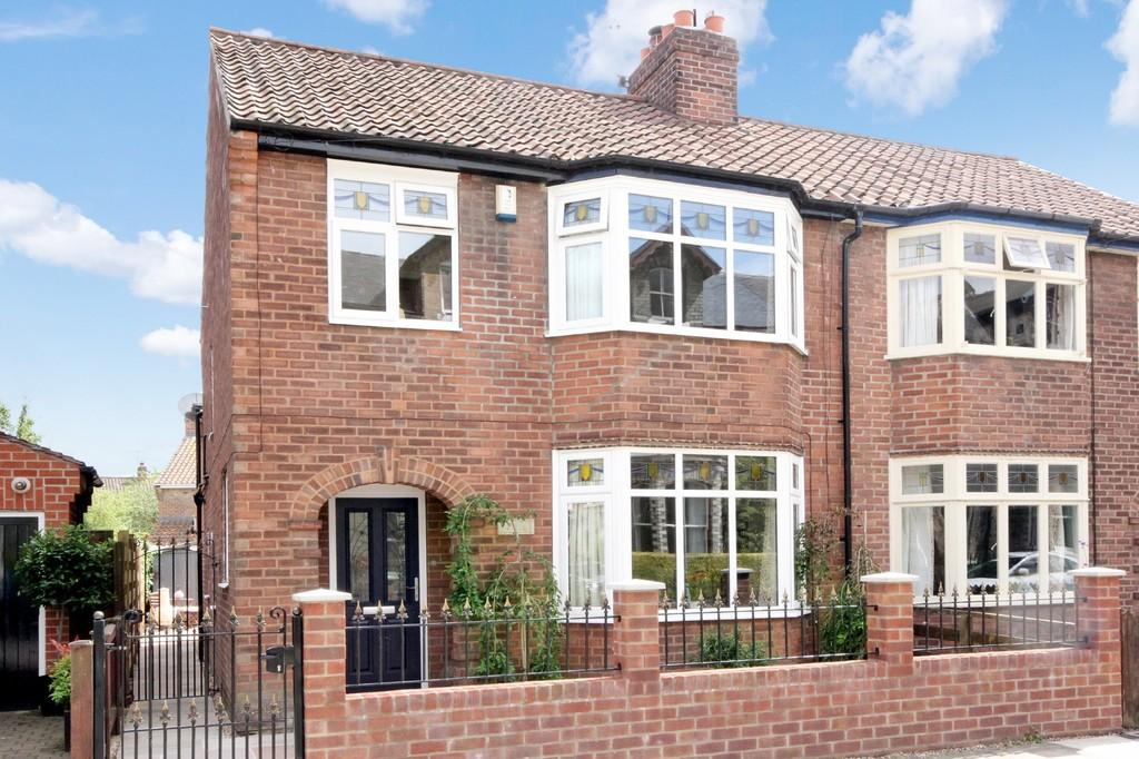 3 Bedrooms Semi Detached House for sale in Avenue Terrace, York