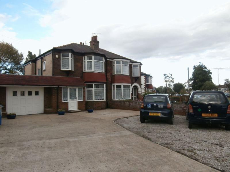 3 Bedrooms Semi Detached House for sale in Kingston Road, Willerby