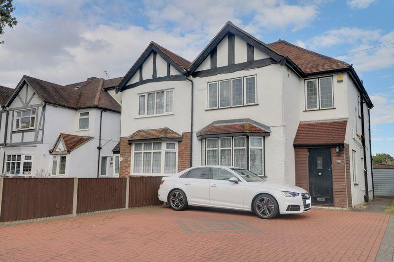 3 Bedrooms Semi Detached House for rent in Coulsdon Road, Coulsdon