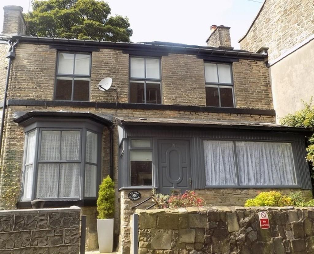 2 Bedrooms Cottage House for sale in Church Street, Buxton