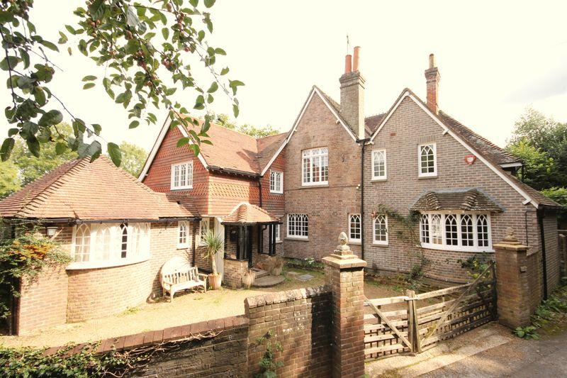 5 Bedrooms Detached House for sale in High Street, Lindfield, West Sussex