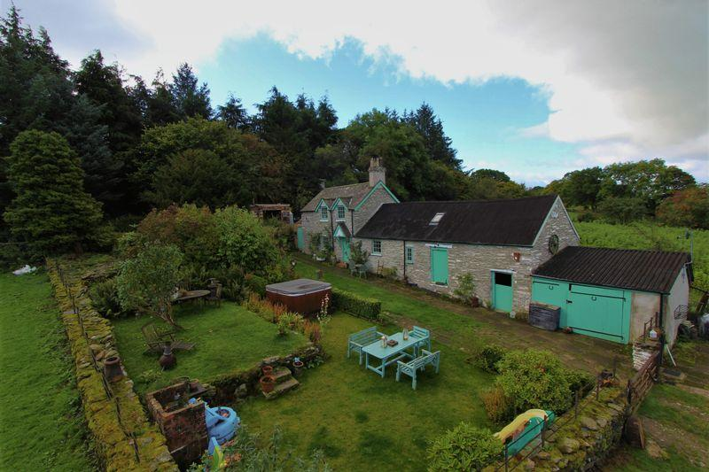 3 Bedrooms Detached House for sale in Cynwyd, Corwen